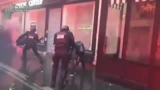 اینجا فرانسه مهد آزادی France