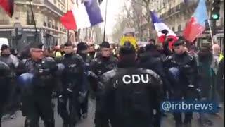 حضور گسترده پلیس در پاریس