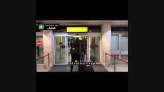 دست انداختن و تمسخر دیاباته (بازیکن استقلال) در فرودگاه !