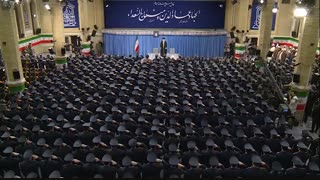 اجرای سرود جمهوری اسلامی توسط نیروی هوایی ارتش و زمزمه رهبر انقلاب