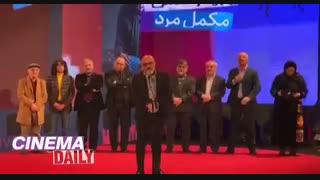 سیمرغ بلورین امیر آقایی برای فیلم شنای پروانه (تلویزیون این سخنانش را سانسور کرد)