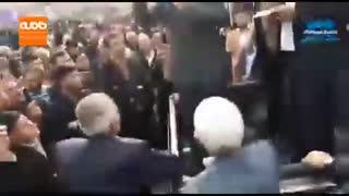 فیلمی از سوتی یک کاندیدا در هنگام سخنرانی انتخاباتی