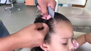 آموزش مدل مو دخترانه دم اسبی با بافت- مومیس مشاور و مرجع تخصصی مو