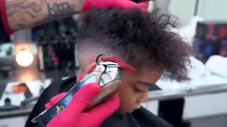 آموزش مدل مو مجعد پسرانه- مومیس مشاور و مرجع تخصصی مو