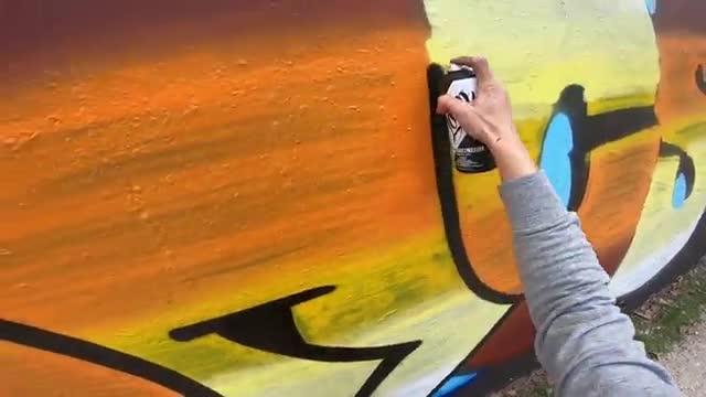 آموزش نقاشی نوشتههای داغ و پرحرارت سبک گرافیتی روی دیوار